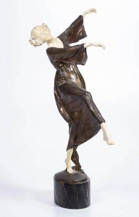 Lot Auction Of  Antiques, Fine & Decorative Arts